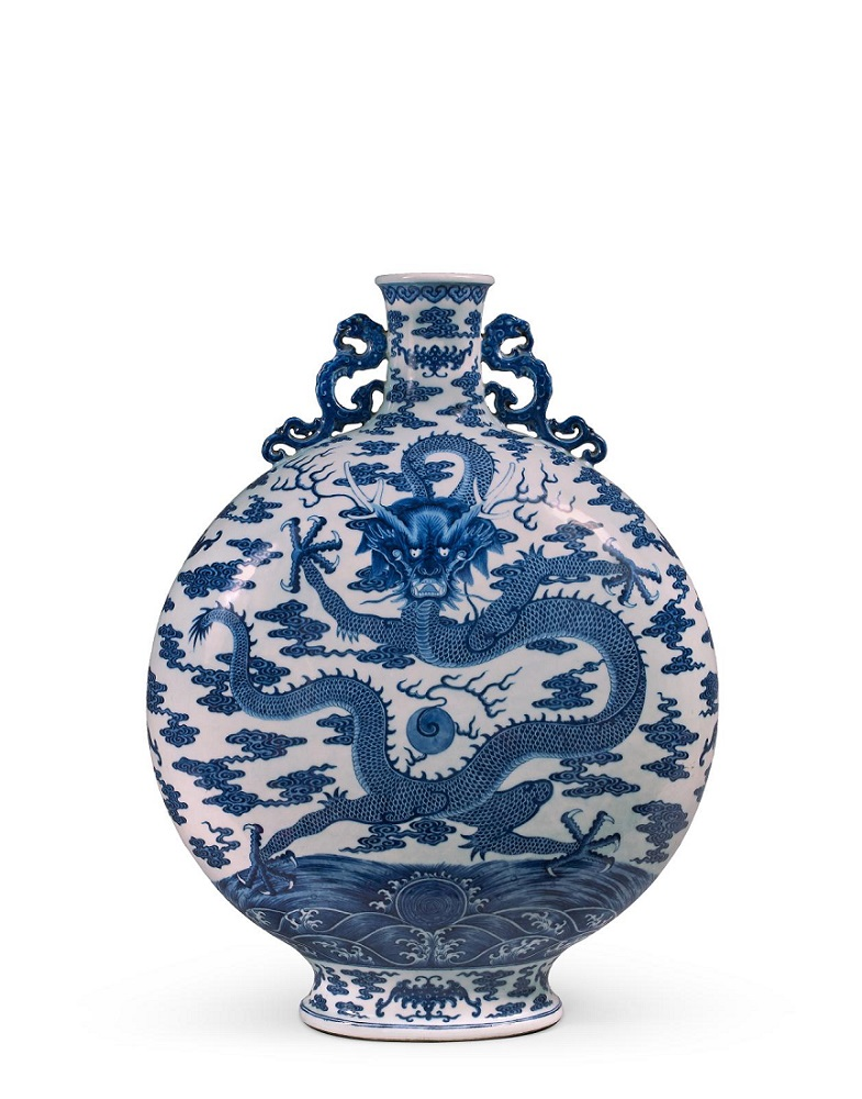 5 millions euros. Gourde dite «bianhu» Bleu-Blanc. XVIIIe siècle.